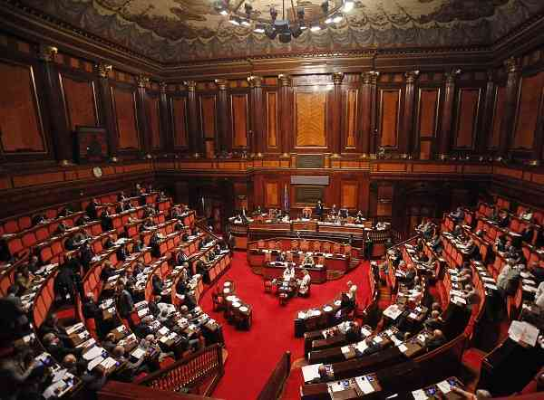 Assegni familiari, nuovo ddl di delega al Senato: figli sostenuti fino a 26 anni