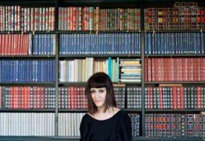 Io Resto Così, il romanzo di Debora Scalzo: intervista all'autrice