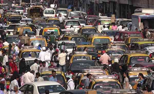 L'India tutela l'ambiente dicendo stop allo smog e passando alle auto elettriche
