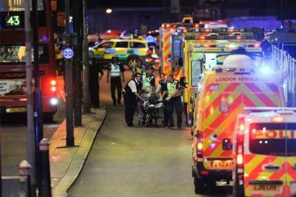 Attentato a Londra, la paura e la tristezza