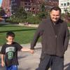 Usa, bambino trova sullo scivolo 8.000 dollari: ricompensato con una sola banconota da 100