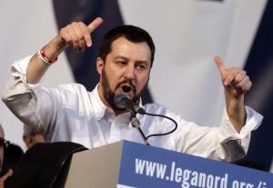 """Salvini: """"Ospiterei un profugo, ma se ho un solo posto lo do al disoccupato senzatetto"""""""