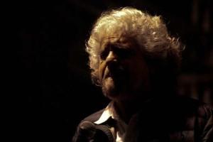 """Grillo immagina l'Italia 5 stelle nel 2042: """"Da 25 anni facciamo cose meravigliose"""""""