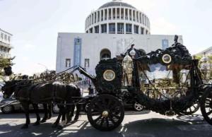 """Funerale Casamonica, Marino attacca: """"Lo Stato non ha saputo garantire sicurezza"""""""