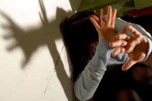 """Attivista 'No Borders' violentata da un migrante: """"Mi chiesero di tacere"""". La replica: """"Solo menzogne"""""""