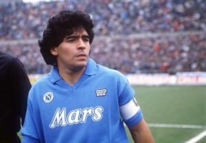 Buon compleanno Diego! Maradona compie 55 anni, il mondo festeggia il Pibe de Oro