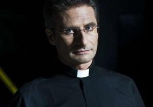 """Coming out di un monsignore: """"Sono omosessuale felice e orgoglioso. La Chiesa apra gli occhi"""""""