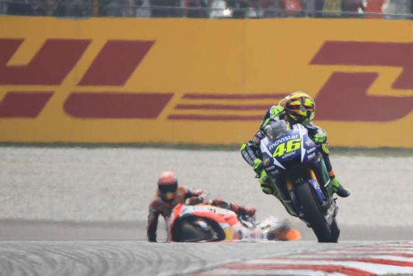 MotoGp, Malesia: ecco il video che scagiona Valentino Rossi