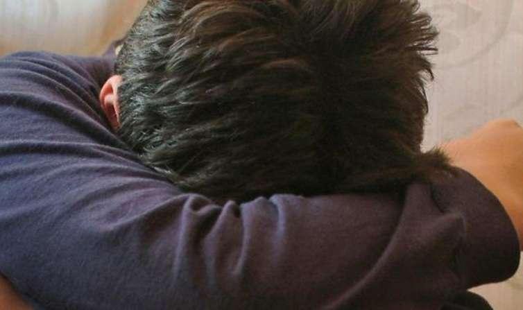 Brindisi, tentano di stuprare 25enne e lo abbandonano nudo in strada: 4 arresti