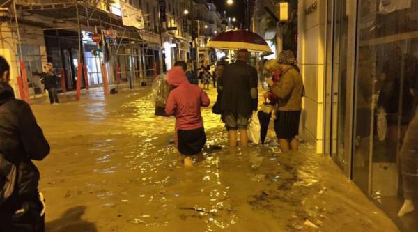 Francia, 17 morti per una tempesta. Ora si sposta verso l'Italia ed è allerta meteo