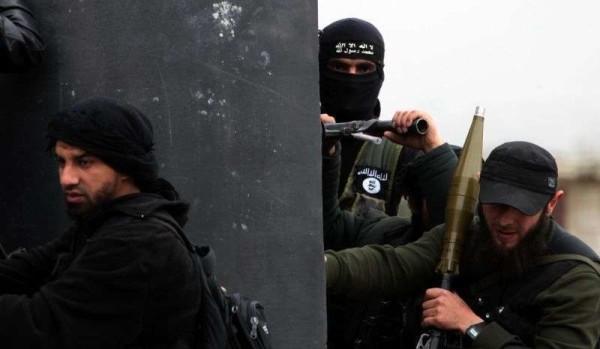 Siria, padre tenta di riportare a casa i figli jihadisti: denunciato dal primogenito e giustiziato