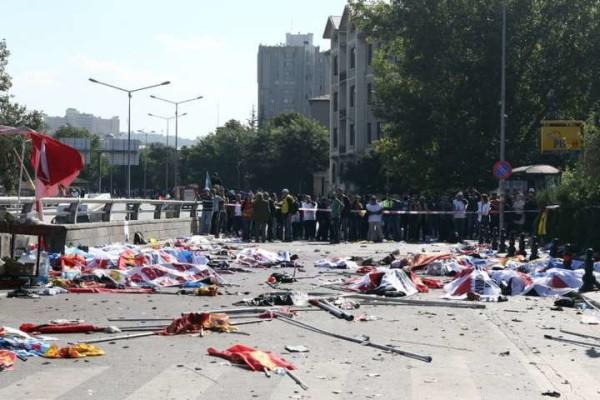 Turchia, duplice attacco kamikaze durante corteo pacifista: oltre 90 morti e 400 feriti