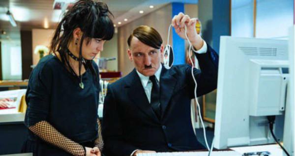 Lui è tornato! Il film su Hitler ai giorni nostri, grande successo in Germania