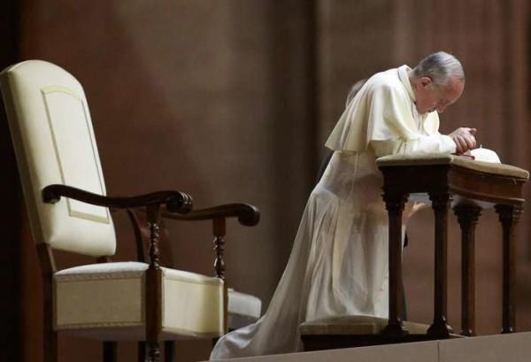 Papa Francesco, l'Osservatore Romano sul falso tumore ipotizza un complotto