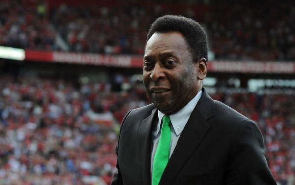 Auguri Pelè: il re del calcio ha festeggiato i 75 anni. Tutti i suoi record