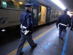 Roma, ubriaco molesta sul treno 19enne: rischia l'arresto per atti osceni in luogo pubblico