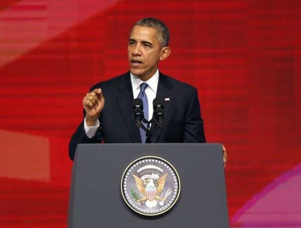 """Obama e la lotta al terrorismo: """"Distruggeremo l'Isis, difenderemo la dignità di tutti i popoli"""""""