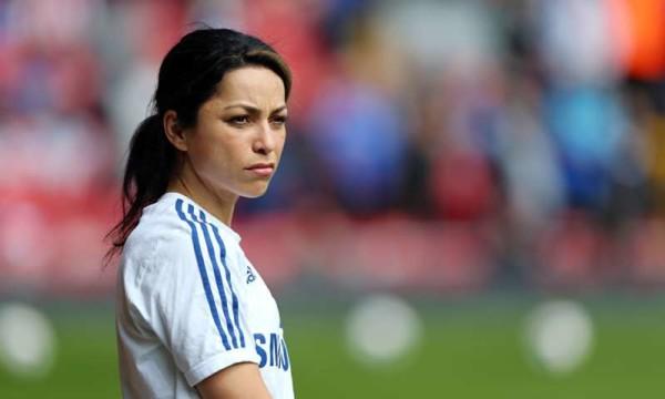 Eva Carneiro, l'ex medico del Chelsea si è sposata: nessun membro della squadra presente alla cerimonia
