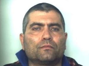 Lecce, ergastolano ruba pistola, spara in ospedale e poi fugge: 3 feriti