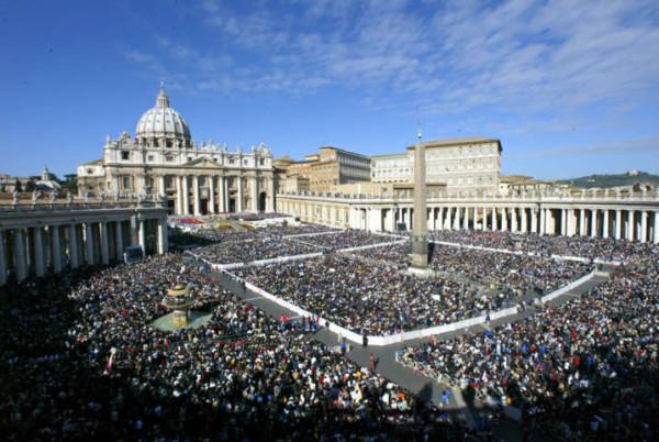 """Fbi lancia l'allarme per l'Italia: """"Possibili attacchi contro Vaticano, Duomo e Scala di Milano"""""""