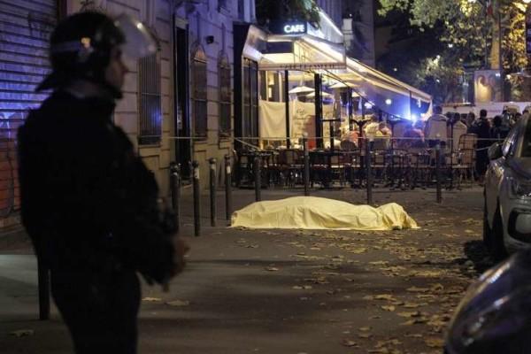 """Strage a Parigi, i racconti choc dei sopravvissuti: """"Hanno ucciso prima i disabili"""""""