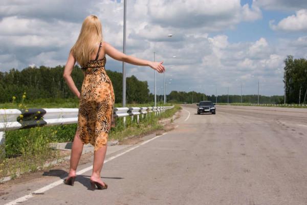 Orvieto: 22enne chiede un passaggio per la stazione, lui la violenta poi l'accompagna