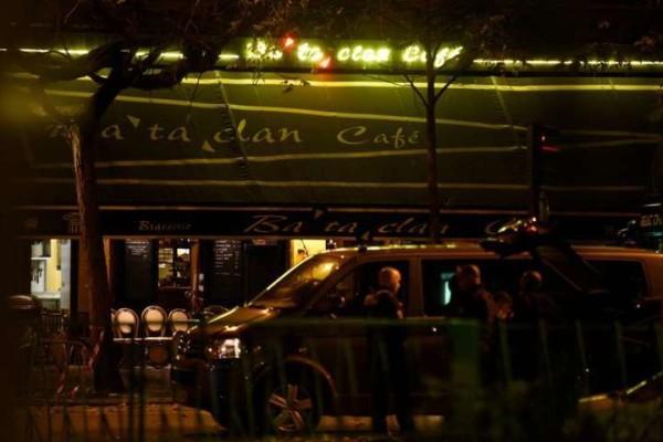 """Strage a Parigi, un sopravvissuto: """"I terroristi ci hanno chiesto: 'capite perché lo facciamo'?"""""""
