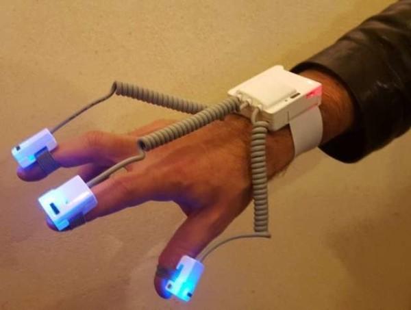 Parkinson: creato da team italiano il braccialetto per diagnosi precoce della malattia