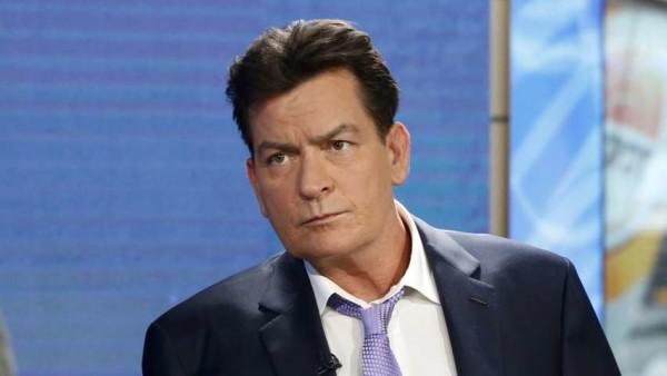 """Charlie Sheen, l'attore confessa: """"Sono sieropositivo e sono stato anche ricattato"""""""
