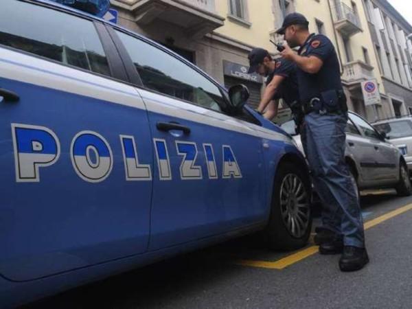 Milano, le consegna una pizza poi la violenta e deruba: arrestato pony express egiziano