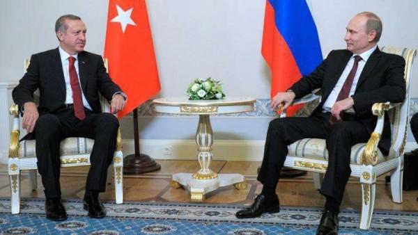 Putin contro Erdogan: stop ai voli charter, vietato assumere lavoratori turchi in Russia