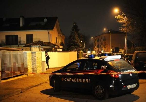 Rodano: commerciante ostaggio dei banditi reagisce e spara, ucciso un albanese