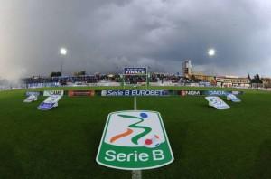 Attentati di Parigi: l'inno francese sui campi di Serie B, cordoglio in tutto lo sport