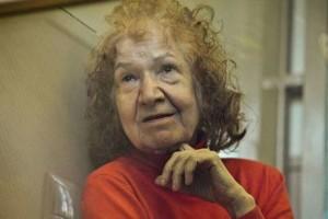 Russia, drogava e uccideva le sue vittime, poi le mangiava: in carcere la strega 'Baba Yaga'