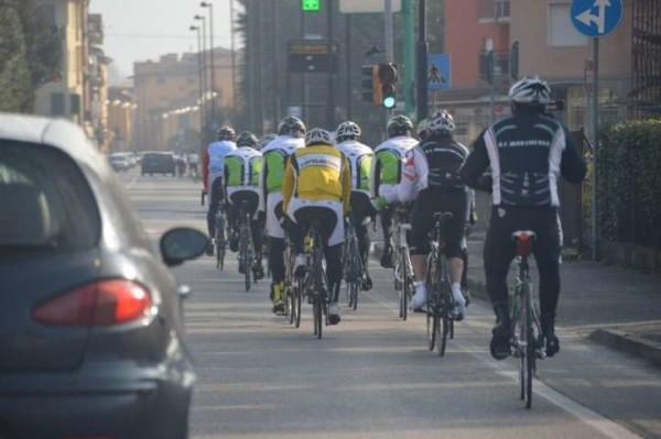 Pd, proposta di legge shock: targa e bollo per le bici. Su Twitter parte la protesta