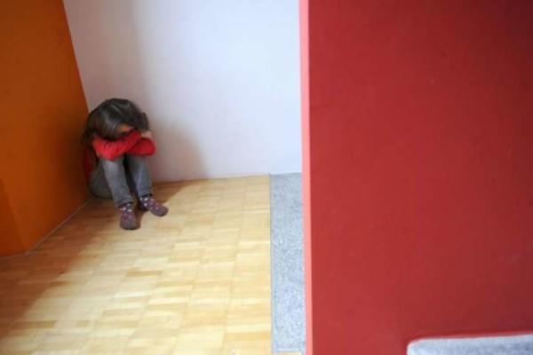 Torino, in un tema gli abusi del padre: così bimba di 8 anni fa arrestare il papà