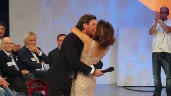 Anticipazioni Uomini e Donne del 2 dicembre, Trono Over: Fabio chiede a Lisa di sposarlo