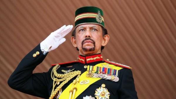 """Brunei, sultano vieta severamente il Natale: """"Cinque anni di carcere a chi festeggia"""""""