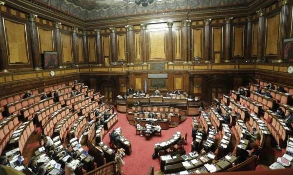 """Legge di Stabilità 2016, ultima revisione: sì alla """"carta famiglia"""", sconti per famiglie numerose"""