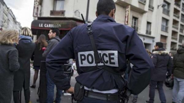 Parigi, insegnante accoltellato: l'aggressore avrebbe inneggiato all'Isis, ma era falso