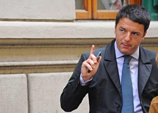 """Banche salvate, Renzi: """"Chi ha truffato pagherà e chi è stato truffato sarà risarcito"""""""