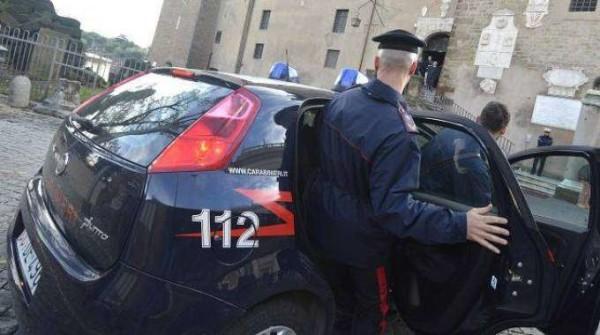 Marche: 13 arresti per rapine ed estorsioni, simulavano raid della polizia per derubare
