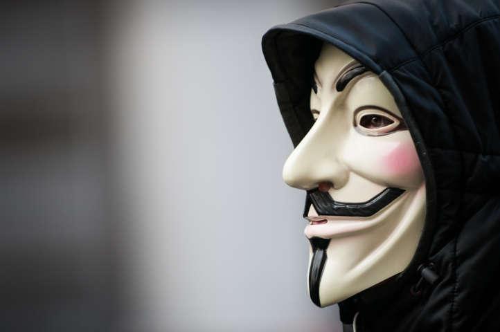 """Isis, rivelazioni shock di Anonymous: """"Abbiamo sventato un attentato in Italia"""""""