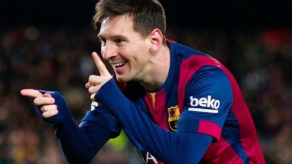 Messi incanta al Mondiale per club: gol da metà campo nella mini porta