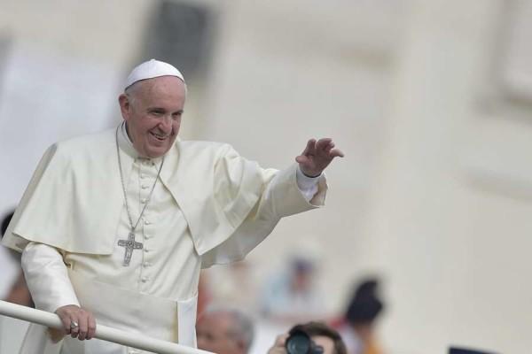 """Isis: """"Vogliono colpire Papa Francesco"""", ecco le date critiche secondo il Mossad"""