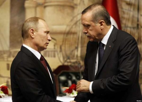 "Tensione Russia-Turchia, Putin accusa Erdogan: ""Compra petrolio dall'Isis"""