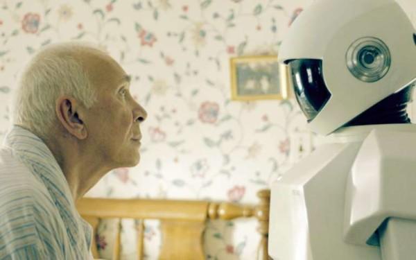Il futuro è già oggi: fino a Natale maggiordomi robot assisteranno anziani a Firenze