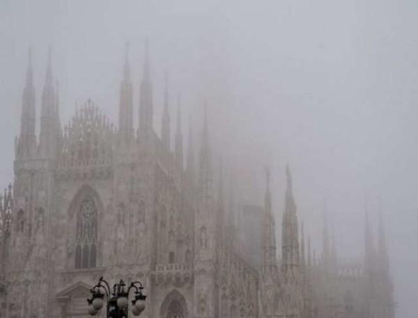 Allarme smog: Milano blocca il traffico delle auto dal 28 al 30 dicembre