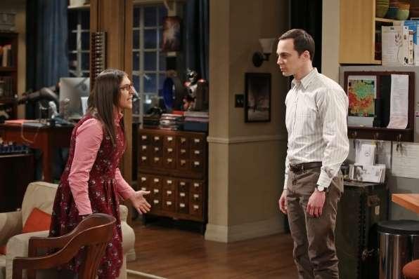 The Big Bang Theory 9x11, nella puntata di stasera la prima volta di Sheldon