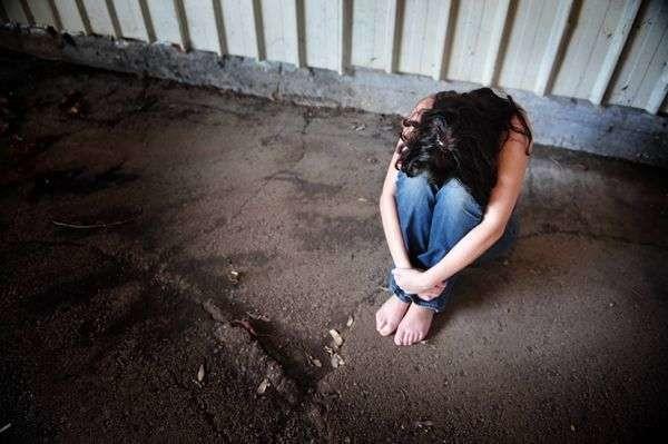 Ivrea, 64enne sequestra e violenta per tutta la notte la cameriera del suo ristorante